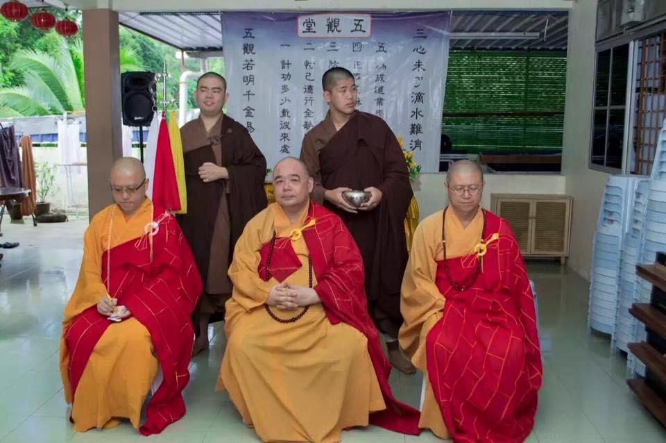 2015法雨精舍办短期出家(一)